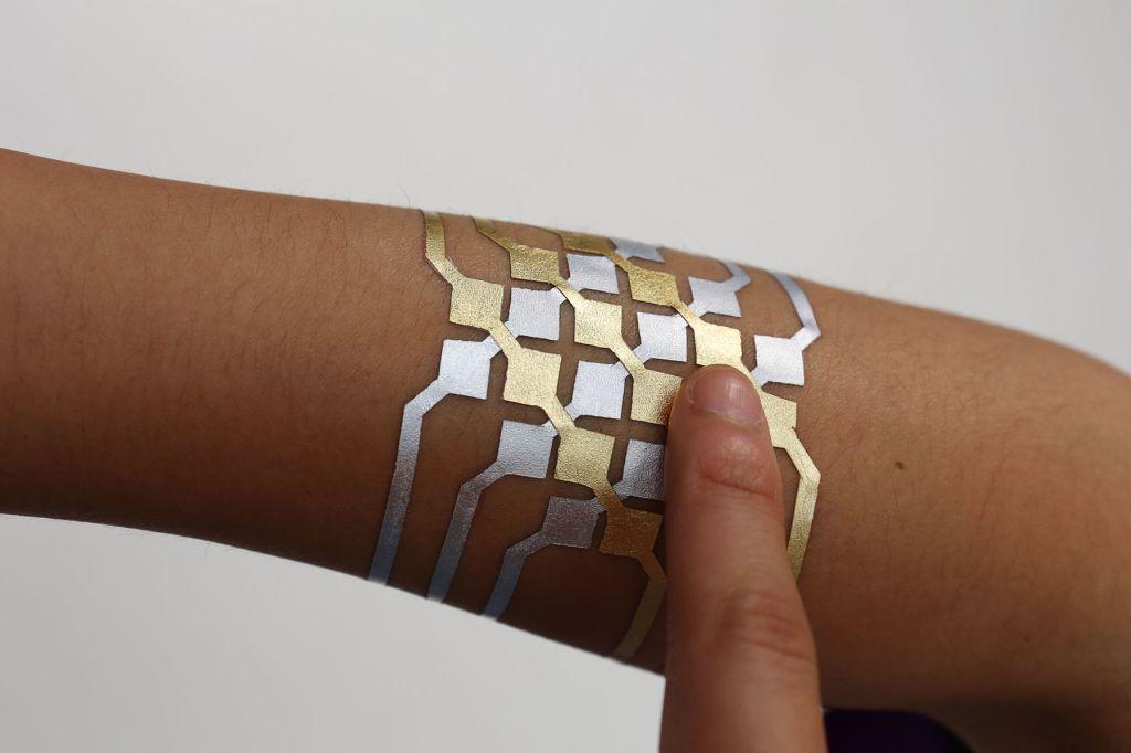 Duo Skin, controlar tu smartphone con este tatuaje