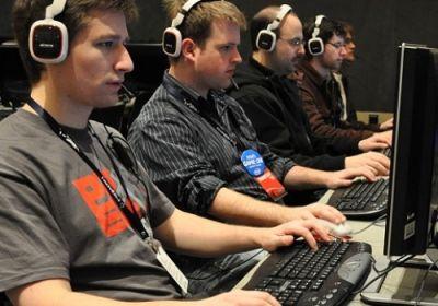 Gamers son mejores estudiantes que fanáticos de Facebook y Whatsapps